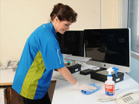 Sprzątaczka oferta pracy w Niemczech przy sprzątaniu biura Stuttgart z podstawowym językiem